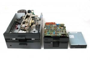 Qume D/T 8, 8 inch drive, 1.2 MB;  Tandon TM 100-2A 5.25 inch drive, 360 KB;  Sony MPF920, 3.5 inch drive, 1.4 MB