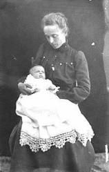 "[Ada Bass with baby Edith.]  </br><a href=""http://cdm16748.contentdm.oclc.org/cdm/ref/collection/cpa/id/4300"" target=""_blank"">Lauzon Family Collection NAU.PH.96.3.2.1</a>"