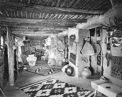 "Main Sales Room. Arizona--Grand Canyon--Grand Canyon Village--Hopi House--Interior--Historical.</br><a href=""http://cdm16748.contentdm.oclc.org/cdm/ref/collection/cpa/id/6353"" target=""_blank"">Fred Harvey Company Records 	NAU.PH.95.44.39.13</a>"
