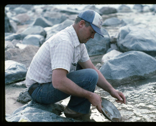 """Panning Sediment Samples of 217 at 217 Mile Rapid </br><a href=""""http://archive.library.nau.edu/cdm/ref/collection/cpa/id/121873"""" target=""""_blank"""">George Billingsley Collection NAU.PH.2000.54.24.1.481</a>"""