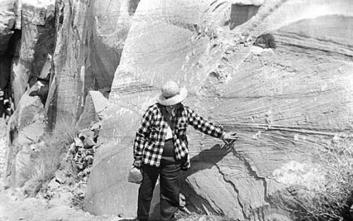 """cience Class field trip; Grand Canyon, Kaibab Trail: Dr. Agnes Allen points out the crossbedding in Coconino Standstone.</br><a href=""""http://archive.library.nau.edu/cdm/ref/collection/nauarch/id/216"""" target=""""_blank"""">Northern Arizona University Archives NAU.ARC.1947-6-36</a>"""
