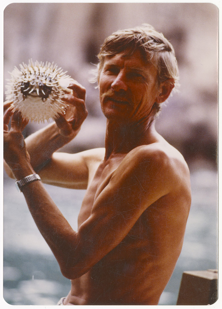 Joey holding a puffer fish