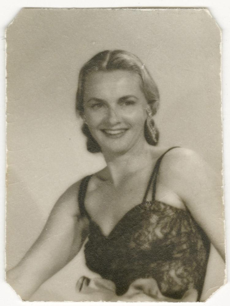 Katie Lee portrait